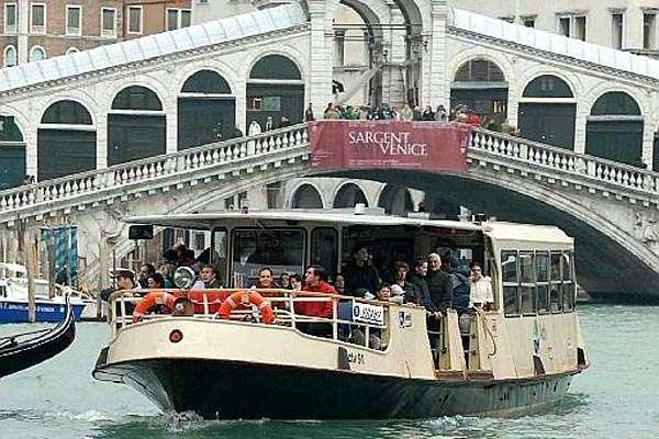 Venezia propone il Vaporetto dell'arte