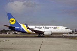 ukraine_international_airlines_boeing_737-5y0_volpati-1
